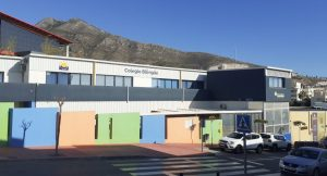Fachada exterior del colegio privado